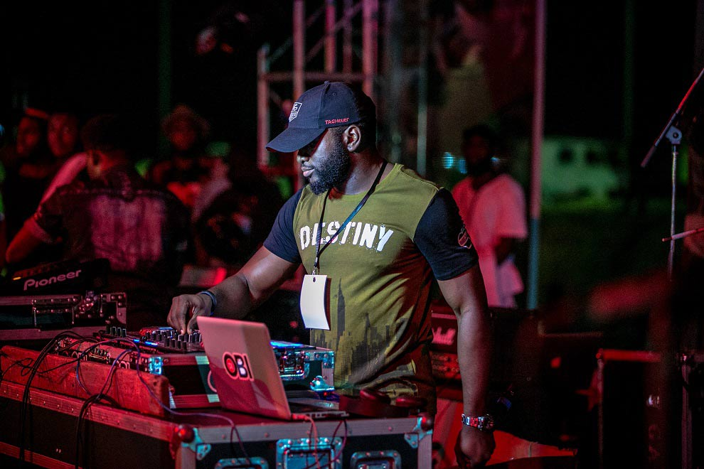 DJ-OBI-on-the-#HeiinekenGidiFest-stage