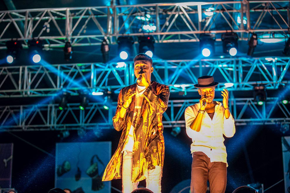 Funbi-and-Poe-performing-at-#HeinekenGidiFest
