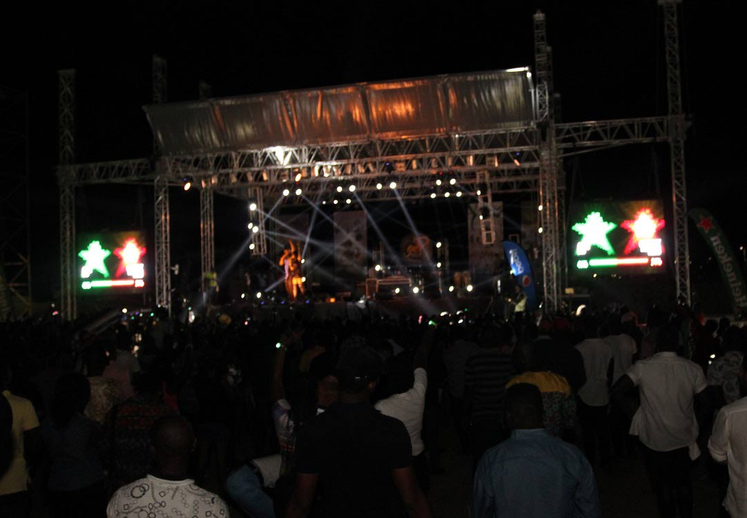 THE-TAKEOVER-live-at-#HeinekenGidiFest